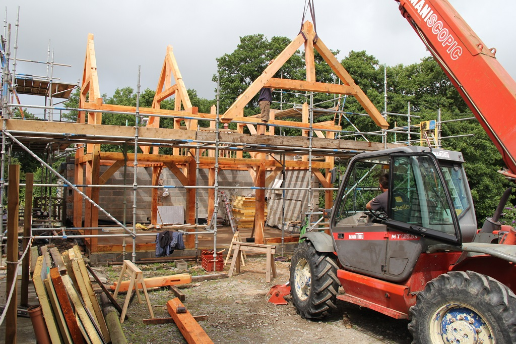 Lifting the trusses into place