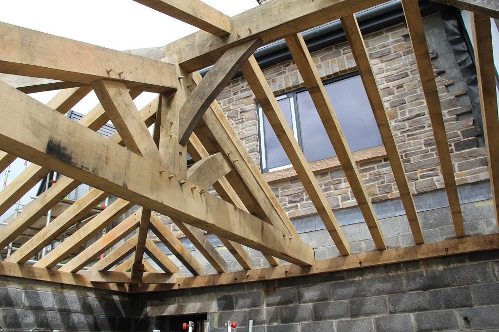 Oak truss Castle Ring Oak Frame