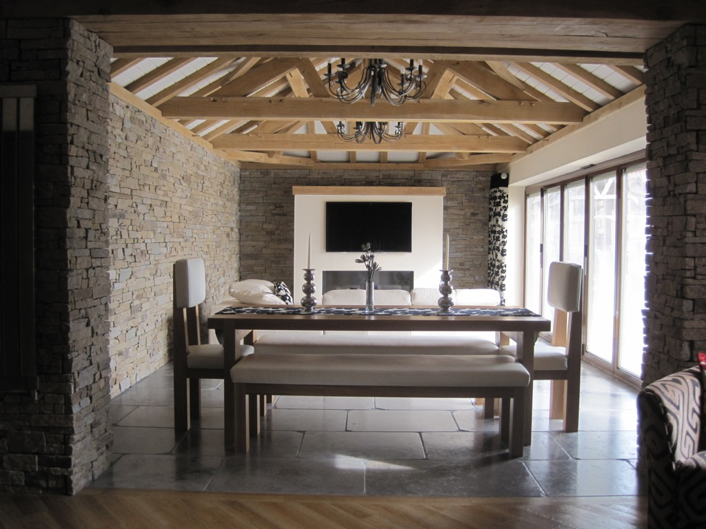 Contemporary extension glazed with timber frame roof