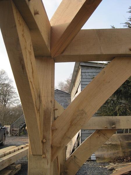 Green oak hip rafter - bottom joint