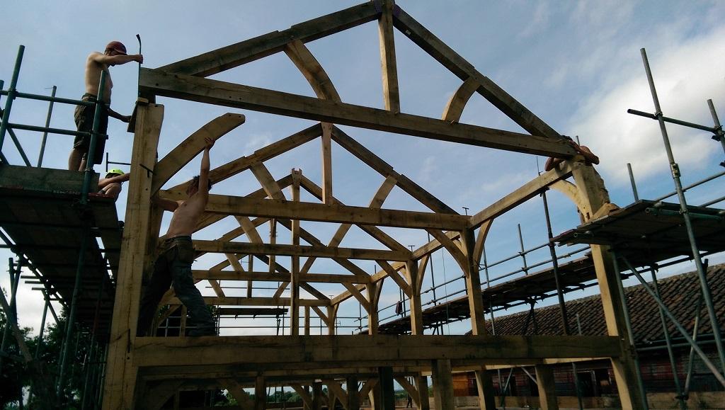 A Timber Frame Raising Part 2 Castle Ring Oak Frame